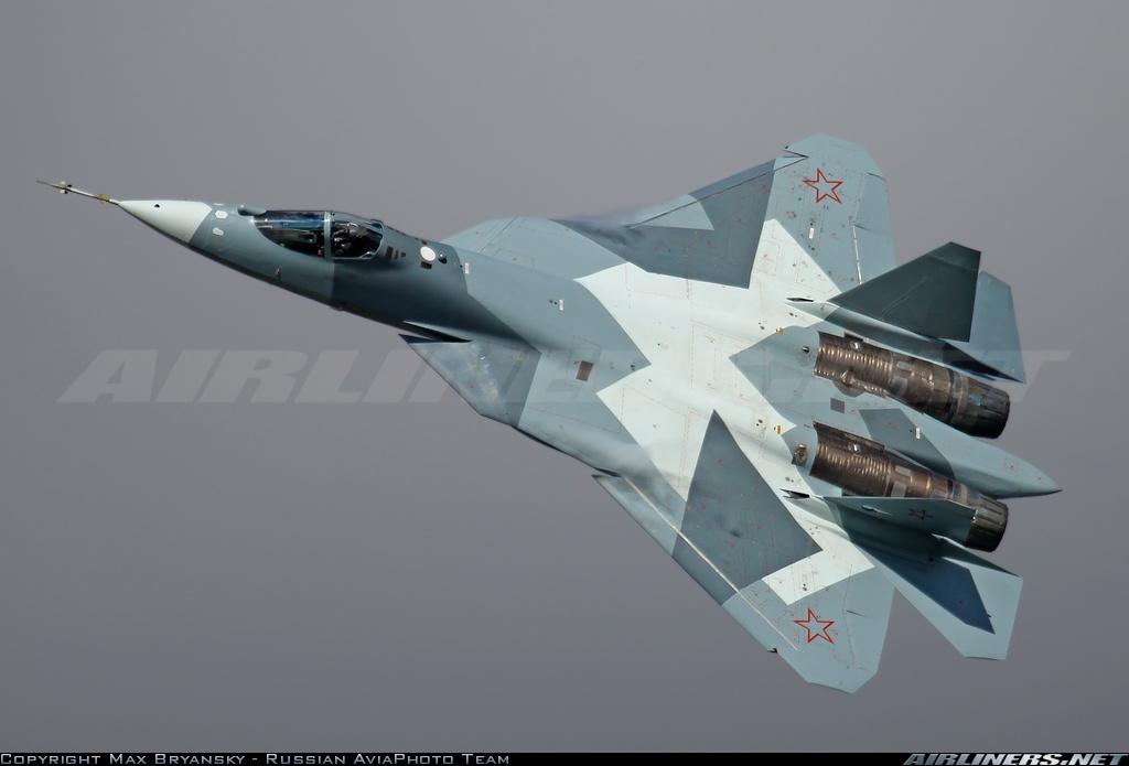 طلاء لزجاج قمرة قيادة مقاتلة تي-50 الروسية يحجبها عن الرادارات المضادة File